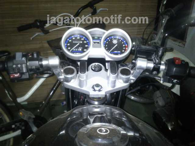 Stang jepit vixion