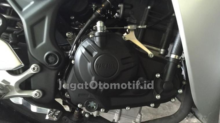 Mesin Yamaha R25